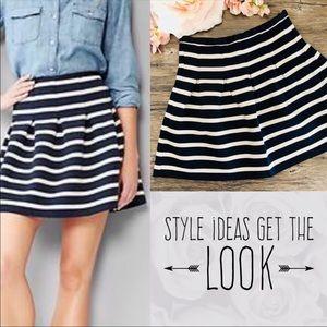 GAP navy/white striped pleated scuba skirt NWOT M